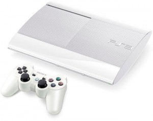 "PlayStation 3 ""Súper Slim"" blanca"