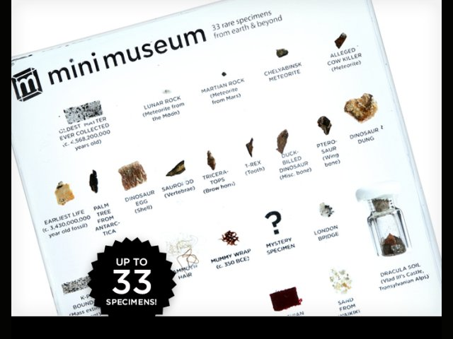 Ten un mini museo sobre tu escritorio